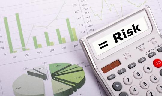 """Adekvatnost procjene kapitalnih zahtjeva uz """"risk-free"""" obveznice"""